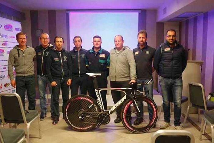 Gruppo Meccanici (Foto Antonio Pisoni)