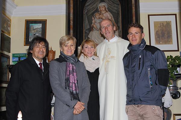 Don Agostino Frasson, Macri, Dal Sasso, Mei e Ballerini al Ghisallo (Foto Kia Castelli)