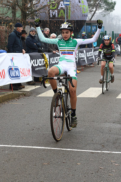 Tommasso Bettuzzi vince a Lurago (Foto Kiua Castelli)