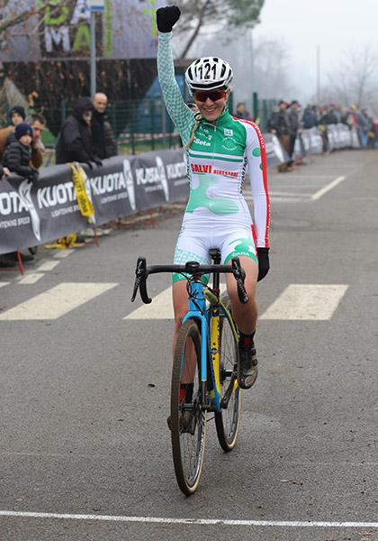 La vincitrice della gara Donne Open (Foto Kia)