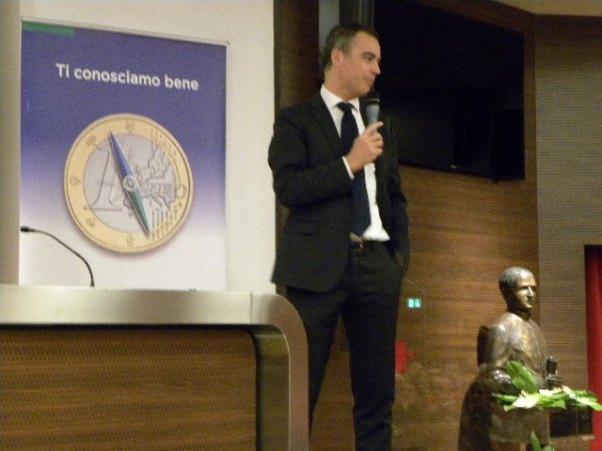 Dr Valsecchi e busto Don  Mattavelli (Foto Nastasi)