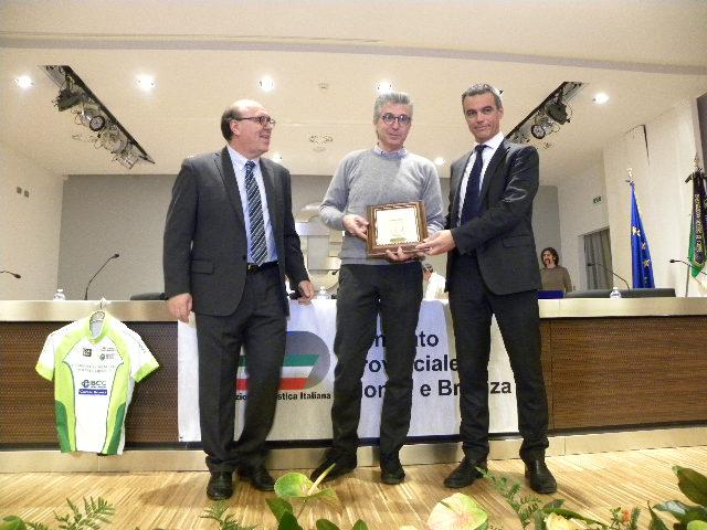 Walter Zini ritira premio Ruote D'Oro assegnato alla BePink La Classica (Foto Nastasi)