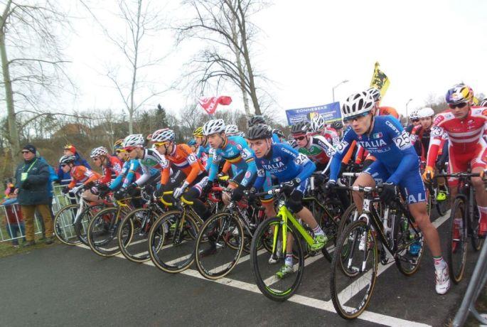 Campionati Mondiali Ciclocross - Stefano Sala (2^ da dx) alla partenza cat. juniores 31.01.2015