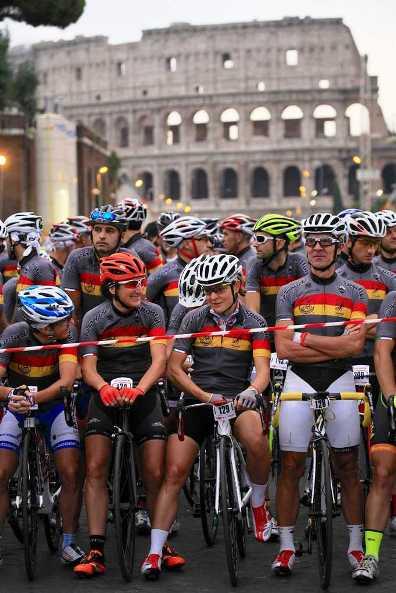 Griglia di partenza dio una edizione della Gran Fondo Campagnolo Roma