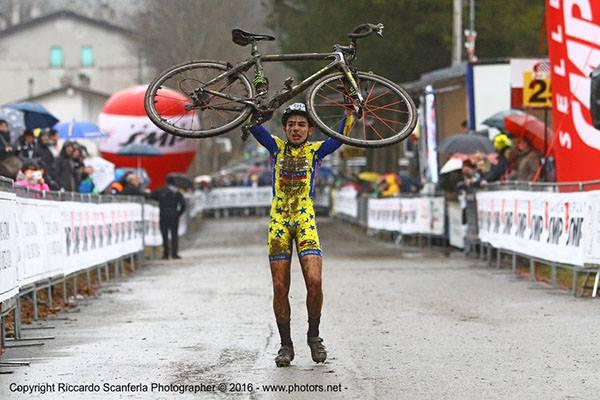 Tommaso Bettuzzi della Scuola Ciclismo Cadrezzate, Tricolore Allievi 1^ Anno (Scanferla)