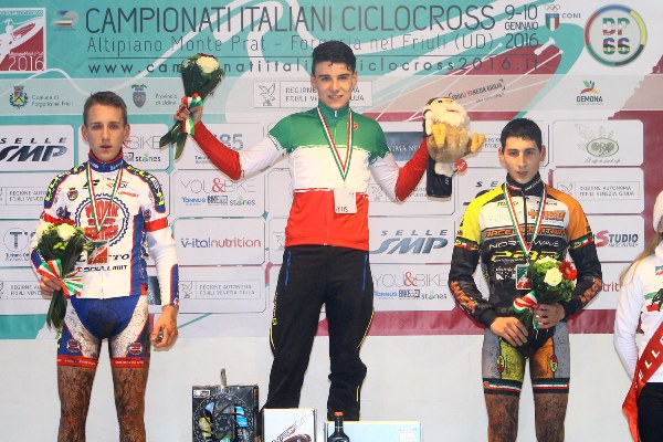 Campionato Italiano Ciclocross- da sx Michele Bassani, Jakob Dorigoni e Antonio Folcarelli, Podio TRICOLORE  Juniores (Scanferla)