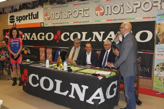 Tavolo della Presidenza con lo speaker Fabrizio Amadio