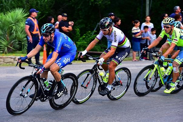 Viviani e Sagan guidano il gruppo nella 7^ ed ultima tappa del Tour de San Luis (Foto Pablo Cersomino)
