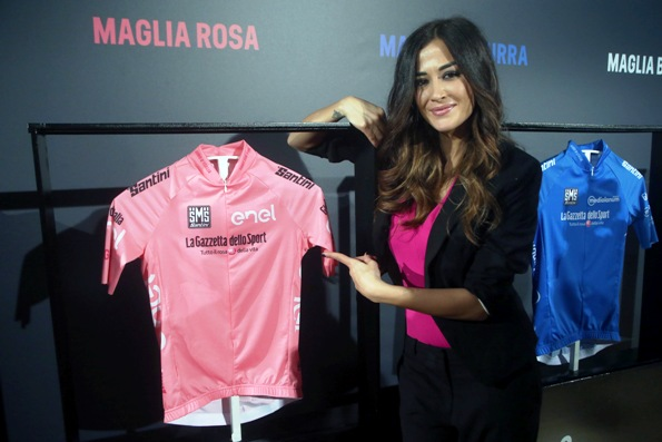RCS: GIRO - Giorgia Palmas presenta maglia rosa