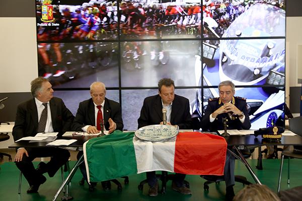 a dx il Comandante Polstrada Liguria, Roberto Campisi (Foto Kia Castelli)