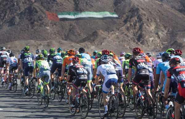 Cycling: Dubai Tour 2016 - Gruppo tra i monti di Dubai (Foto Ansa)