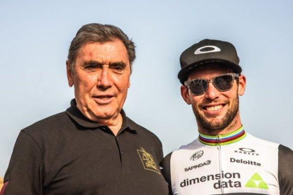 """Il """"Cannibale"""" Eddy Merckx con Cavendish (Foto A.S.O.)"""