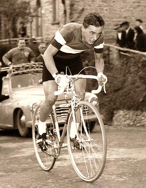 Roberto Poggiali In maglia Tricolore di Campione d'Italia dilettanti 1962