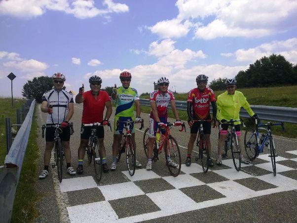 I Grandi al via di una lunga pedalata