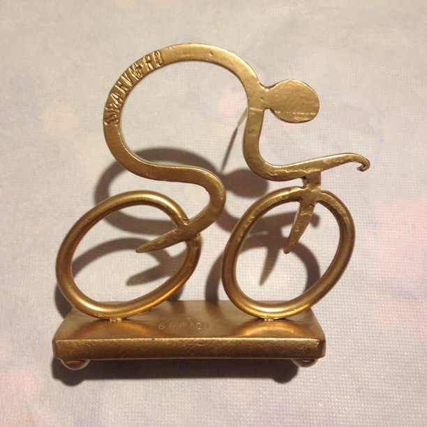 Ciclista stilizzato simbolo dello Sparviero