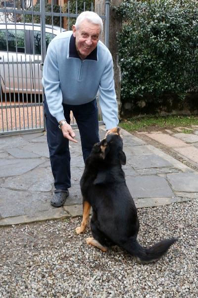 Fezzardi col suo cane Kira (Foto Pisoni)