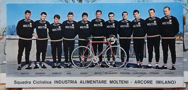 Squadra Molteni con Giuseppe Fezzardi