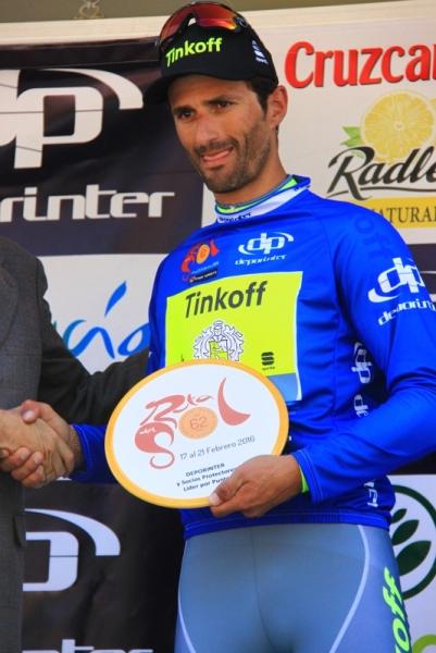 Daniele Bennati sul podio come leader della generale (Foto JC Faucher)