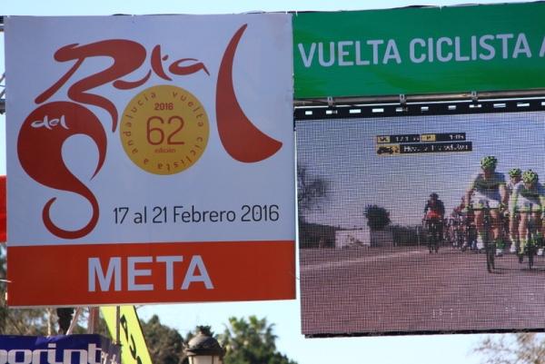 Striscione arrivo a Siviglia (Foto JC Faucher)