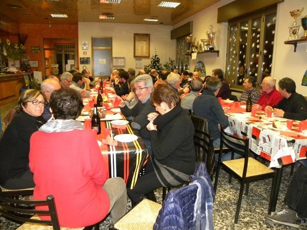 Il Presidente Carlo Boschini ad uno scambio auguri tra gli Amici del GS Jerago (Foto Nastasi)