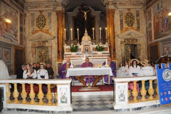 Altare del Santuario della Castellina (Foto Luca Venturi)