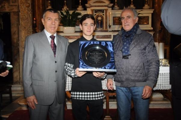 La premiazione dello Juniores Gabriele Benedetti (Foto Luca Venturi)