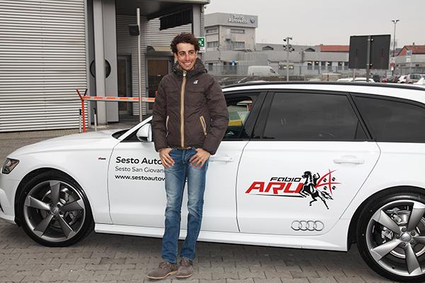 Fabio Aru con la nuova Audi/6 presso la Concessionaria Sesto Autoveicoli (Foto Kia)