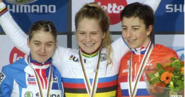 DA SX, Noskova, Richards e Kaptheijnc, podio Donne U23