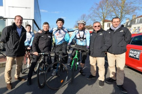 Prudhomme, Nicolas Roche, Sindaco e Ass Sport di Conflans, Hinault e Sandy Casar (Foto Aso)