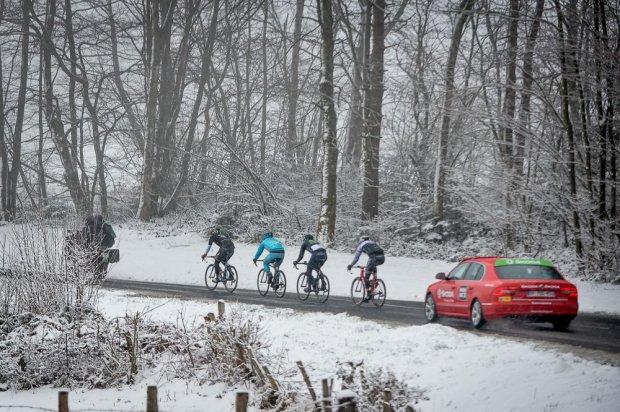 Queste le condizioni stradali odierne alla Parigi-Nizza (Foto Aso-G.Demouveaux)