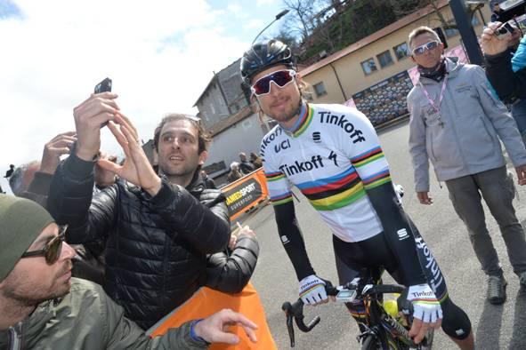 Peter Sagan al raduno di partenza (Foto Ansa-Peri-Zennaro)