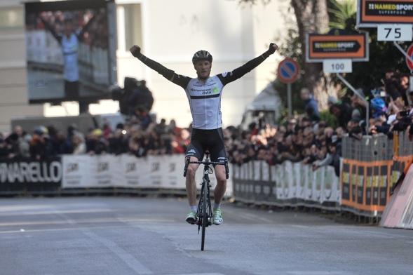 Steven Cummings vince a Foligno (Foto Ansa-Peri)