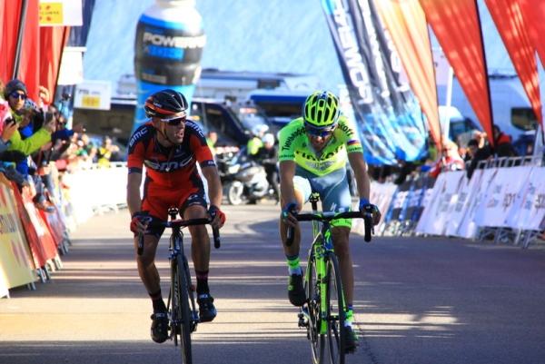 L'arrivo di Contador e Porte (JC Faucher)