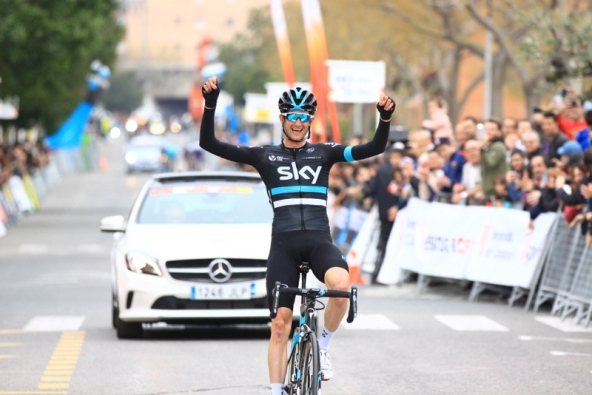 Wouters Poels sorridente all'arrivo (Jean Claude Faucher)