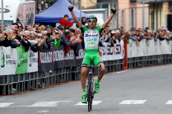 Stefano Pirazzi vince a Pavullo nel Frignano (Bettini)