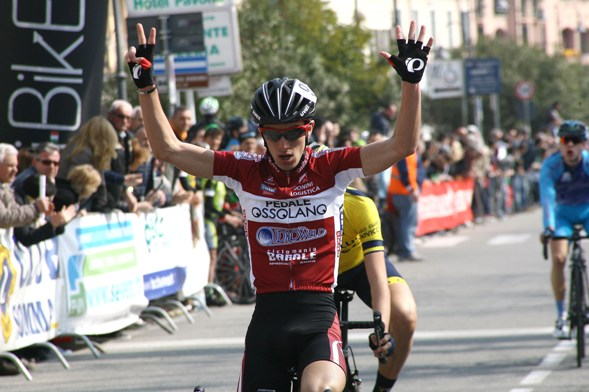 Samuele Rubino vince la 48^ Varese-Angera (Foto Berry)