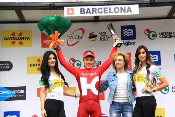 Tcatevich sul podio a Barcelona (Foto Jean Claude Faucher)
