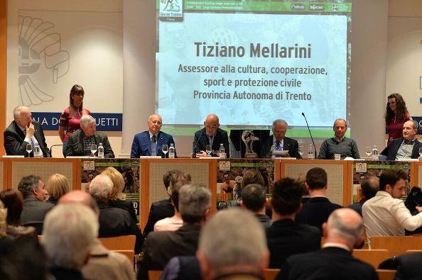 Tavolo Autorità^ alla presentazione del 40^ Giro del Trentino-Melinda (Foto Daniele Mosna)