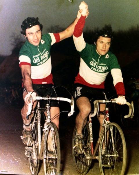 Antonio Saronni in Maglia Tricolore (a sx), qui col fratello Giuseppe (Foto di Antonio Pisoni)