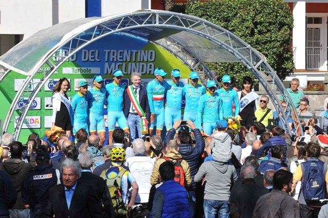 Giro del Trentino Melinda 2016 ,  1° tappa Crono Squadre Riva del Garda - Torbole 12,10 KM PODIO squadra vincitrice Astana Pro Team