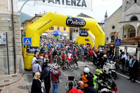 Giro del Trentino Melinda 2016 , 4° tappa Malè- Cles partenza