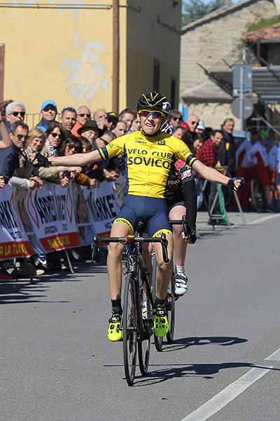 Luca Buttini vince a Garbagnate Monastero (Foto Kia Castelli)