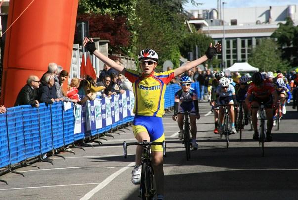 La vittoria di Marco Ferrari (Foto Berry)