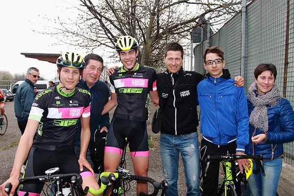 Michele Bertaina con i suoi compagni (Foto Kia Castelli)