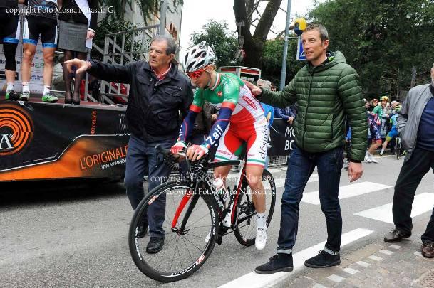 Il Tricolore Elite, Gianluva Milani col presidente Federciclismo Trentina, Zoccante e l'ex iridato Maurizio Fondriest (Foto Mosna Natascia G.)
