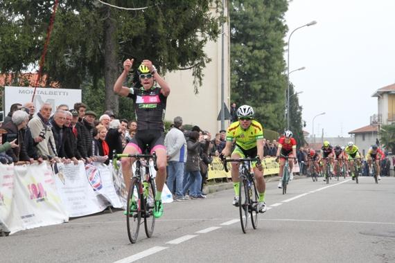 Michele Bertaina vince a Peveranza (Foto Valentino Lavazza)