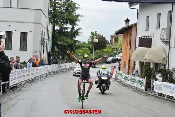 Michele Bertaina vince a Grinzane (Foto Moretti)
