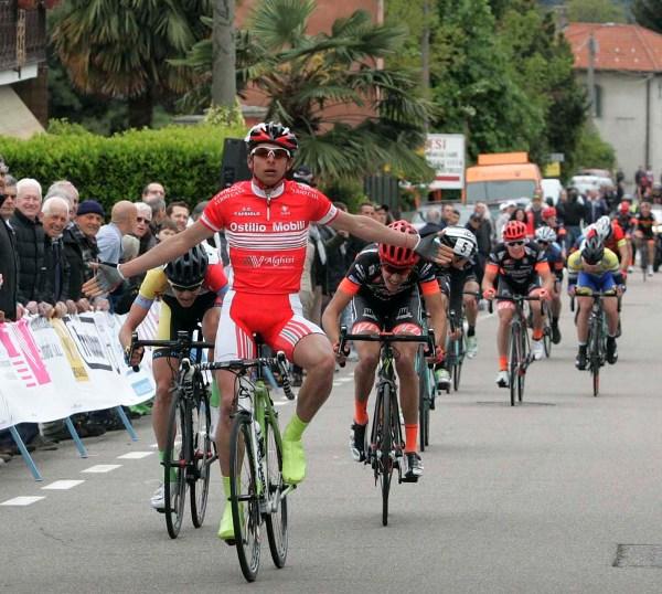 Matteo Furlan vince a Casale Litta (Foto Pisoni)