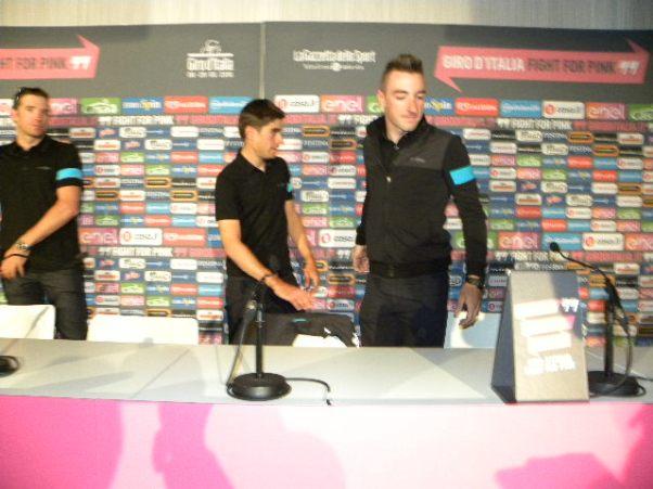 Il Team Sky in conferenza stampa ad Apeldoorn  (Foto Nastasi)