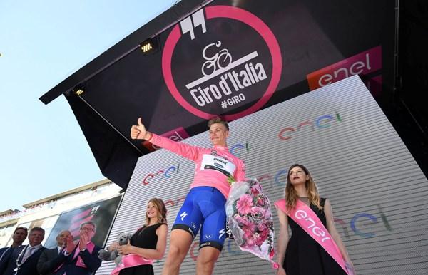 Marcel Kittel in maglia rosa (Foto Ansa)